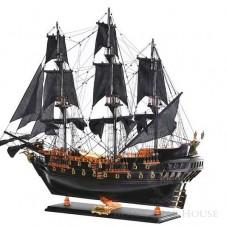 duży statek dekoracja black bear house