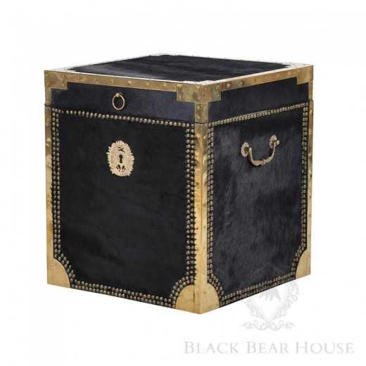 kufer obity aksamitem black bear house