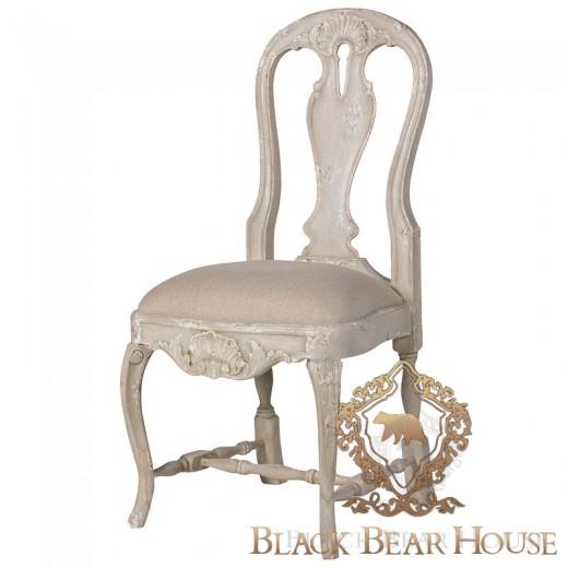 francuskie krzesło w stylu shabby chic