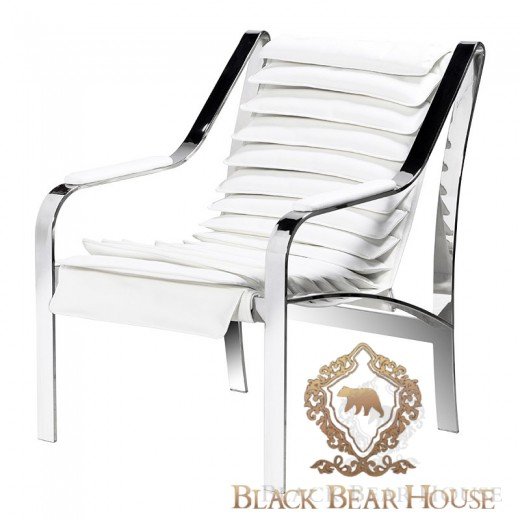 krzesło na metalowym stelażu
