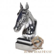 metalowa głowa konia