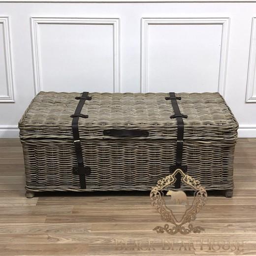 kufer z rattanu