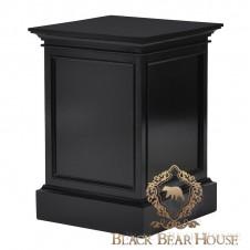 czarny postment w stylu nowojorskim black bear house