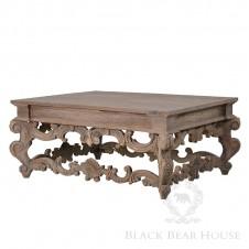 drewiany stolik w stylu francuskim