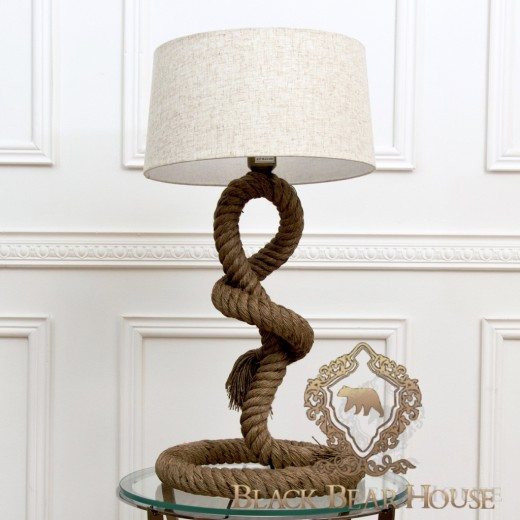 lampa stolikowa zrobiona ze sznura